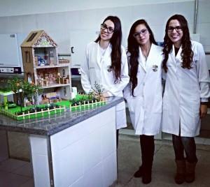 meninas_quimica